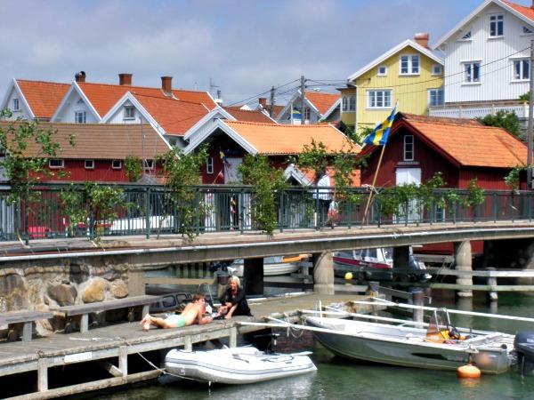 Midsommarbro på Gullholmen 600x